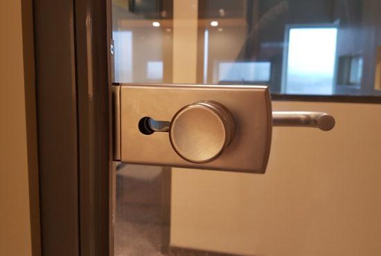 glass-door-handle