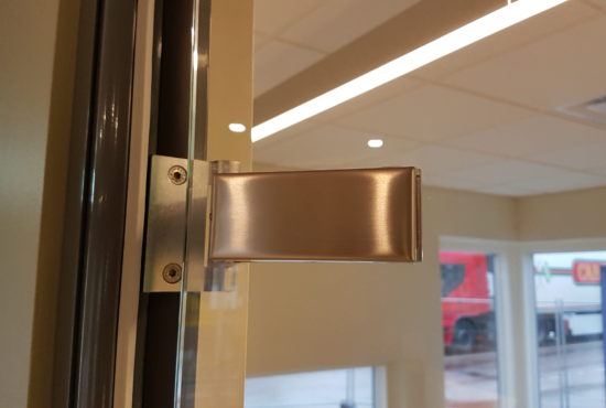 glass-door-hinges