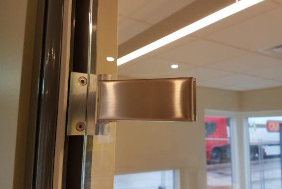 glass-door-hinges