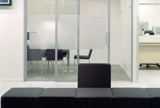 office-glass-wall-4