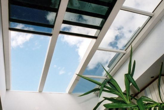 retractable-insulated-glass-roof-open